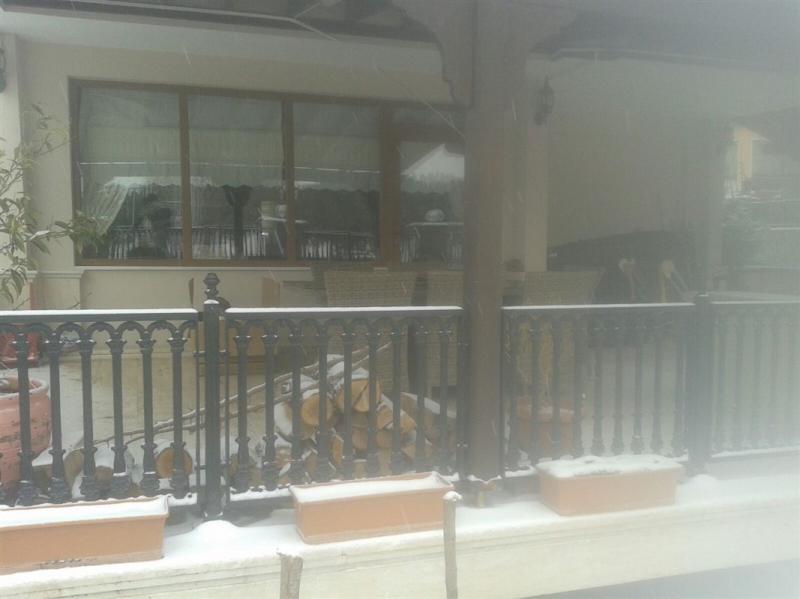 BURSA MUDANYA BADEMLİ'DE 400 m² SATILIK YÜZME HAVUZLU 5+1 VİLLA