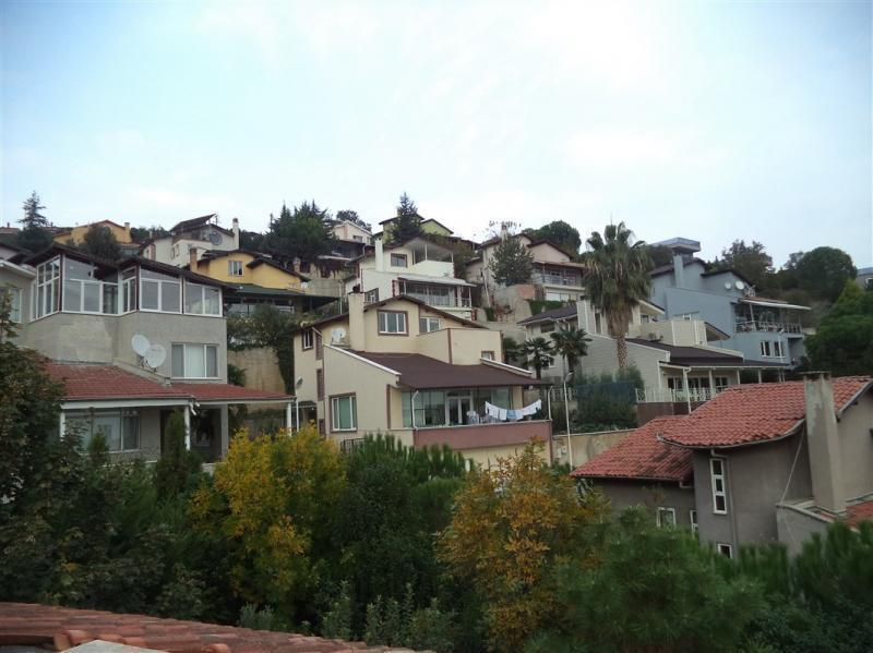 MUDANYA BADEMLİ'DE MANZARALI SATILIK 5+1 CAZİP VİLLA