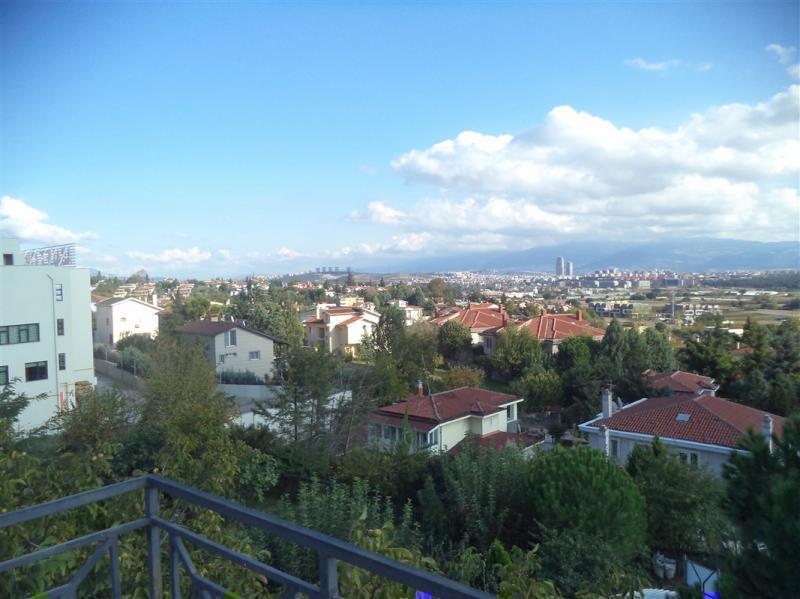 MUDANYA BADEMLİ'DE SATILIK 7+2 MERKEZDE LÜX VİLLA